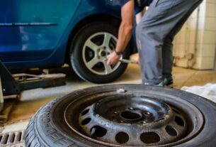 Repair Or Change The Tire After A Puncture